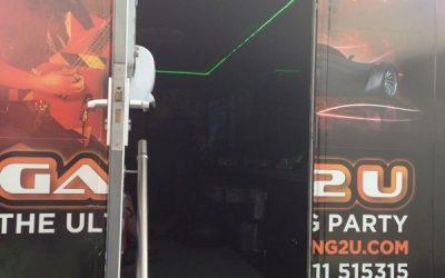 Mientras tanto, en las puertas de la Neo 13...