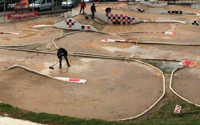 Campeonato de España A 1/8 TT Gas 2017 - Cesa la lluvia en Lebrija y el club se pone a trabajar para poder correr
