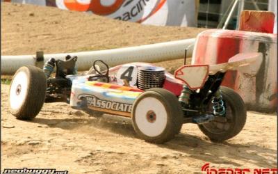 Neil Cragg se motoriza con LRP